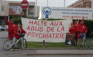 veřejnost je málo informována o nedobrovolných hospitalizacích na psychiatriích a nedobrovolné léčbě elektrošoky - Scientologicé pořádají informační jízdu Scientologických cyklistů