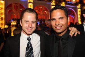 Michael Pena a Giovanni Ribisi - oba dva jsou členy Scientologické církve