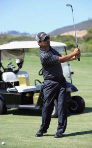 Scientolog Michael Peña hraje s oblibou golf