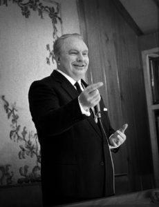 L. Ron Hubbard autor knihy Dianetika: Moderní věda o duševním zdraví
